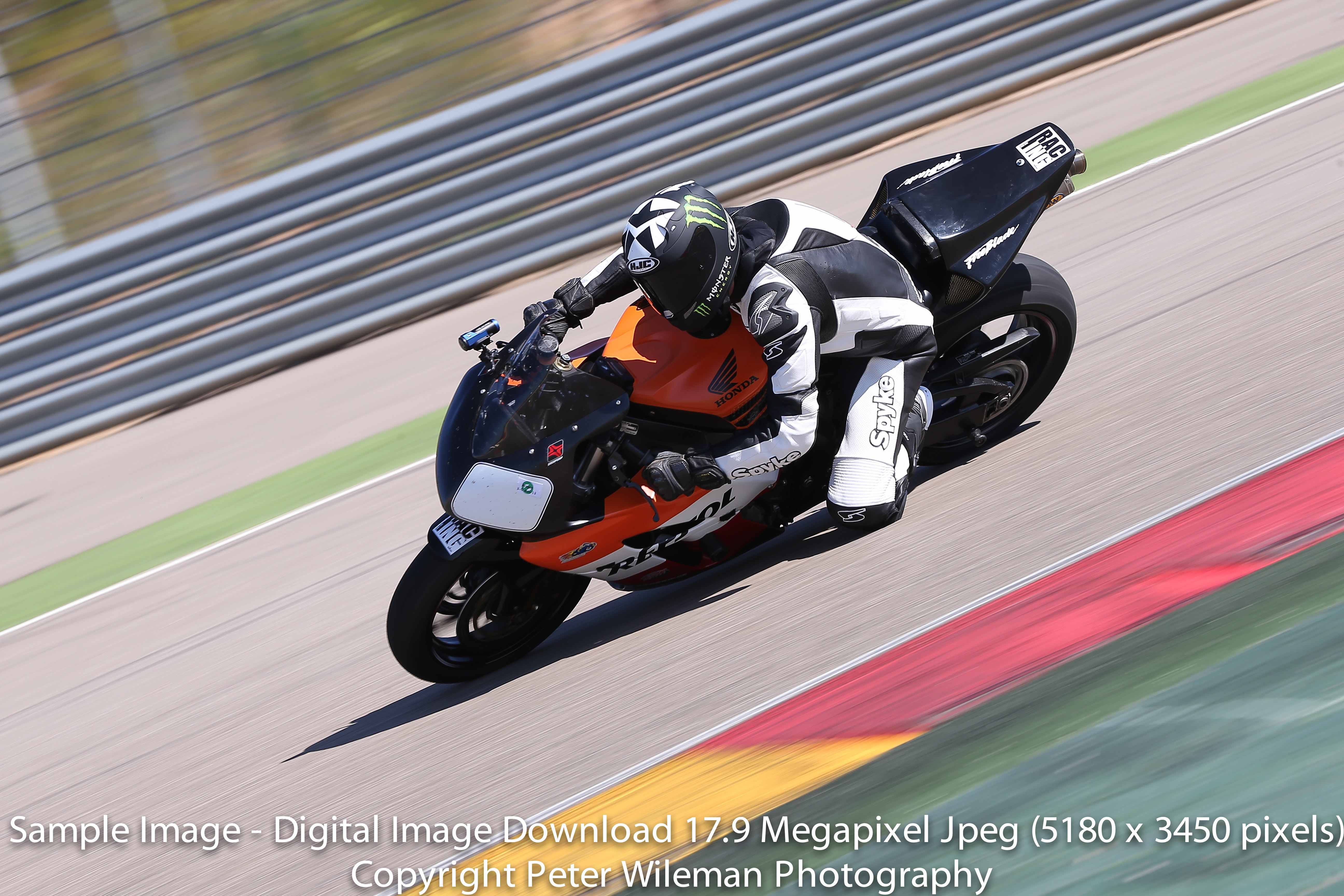 06-10-2012 Aragon no limits trackday - photos by peter wileman